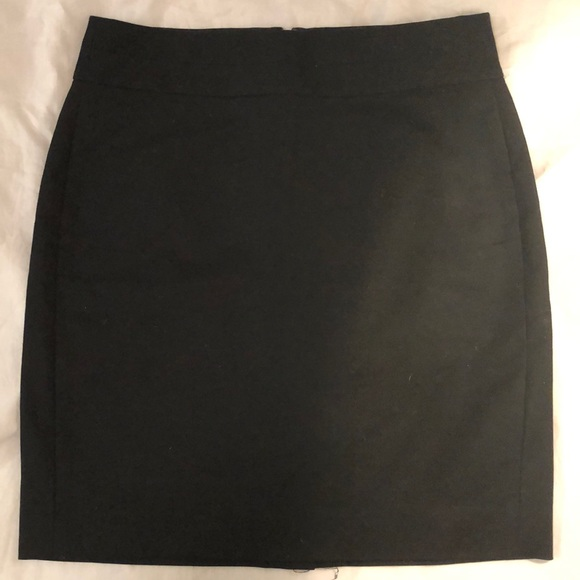 Banana Republic Dresses & Skirts - Banana republic pencil skirt